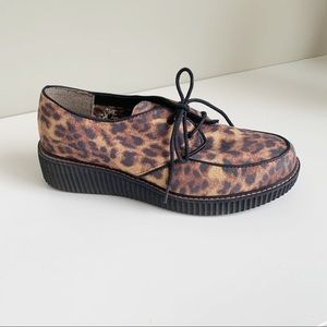 Skechers leopard print lace up creepers size 9